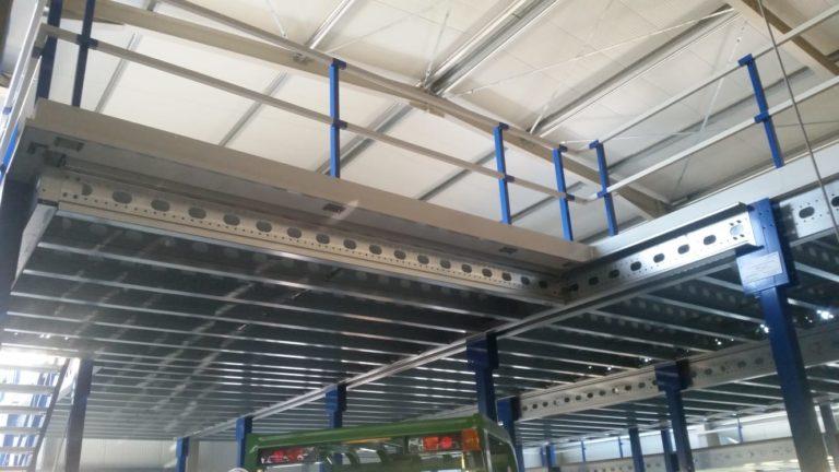 Geländer-Konstruktion-Stahlbuehne-Lagerbuehne-5